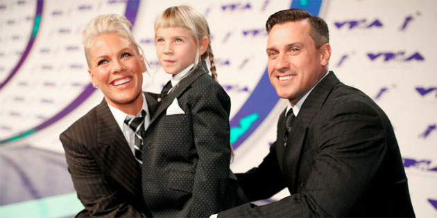 VIDEO: Pink Gives Powerful Speech About Appearance at VMA Awards