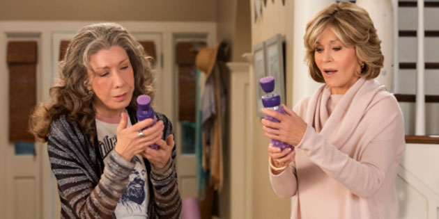 VIDEO: 'Grace And Frankie' Season 4 Debuts Lisa Kudrow January 19